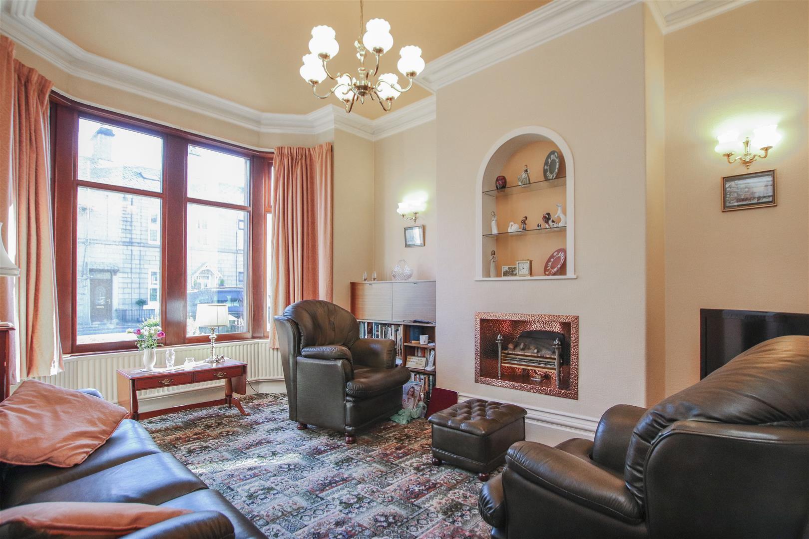 3 Bedroom End Terrace House For Sale - 4.JPG